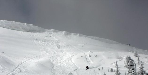 Steve Geiger skiing Saddle Peak