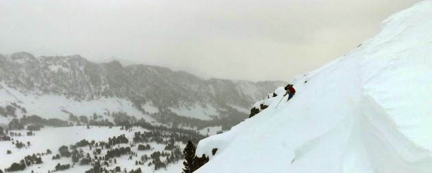 Former Backcountry Magazine editor Drew Pogge drops into a line in Beehive Basin.